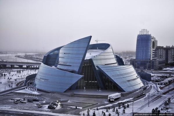 """Концертный зал """"Казахстан"""" (дом оперы)"""